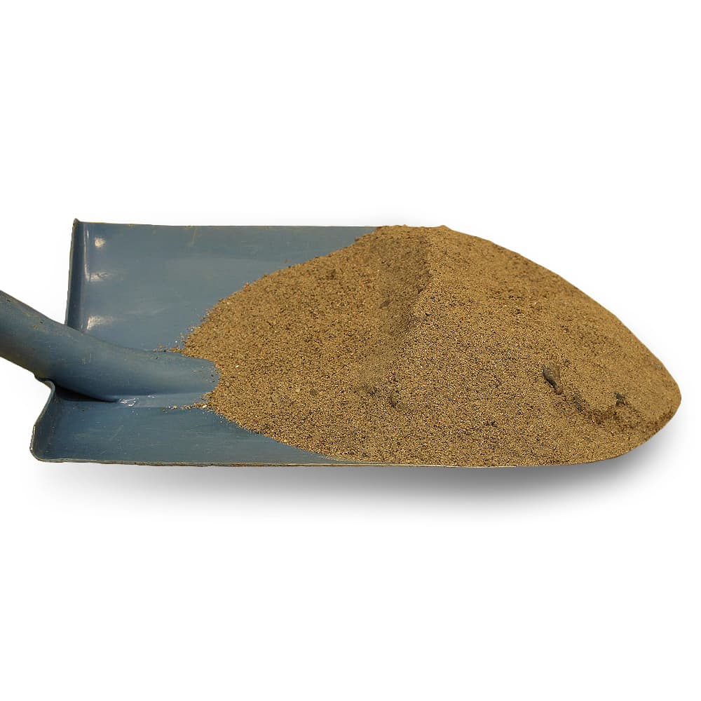 Lähikuva hiekasta lapiossa
